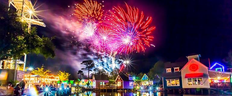 Baytowne Wharf fireworks